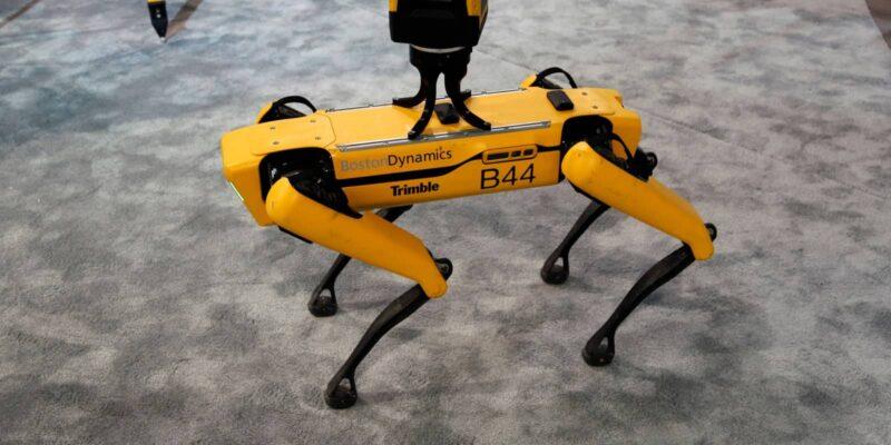 Robot Dog Boston Dynamics - same robot dog family as Digidog from NYPD police
