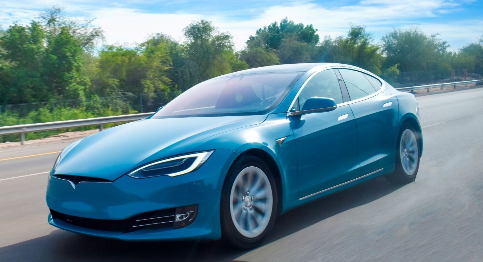 Car For Cash >> Tesla Offering Cash And Car For Hacking Their Model 3 At